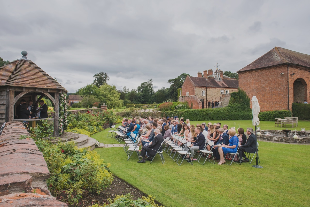 outdoor-wedding-ceremony_0962
