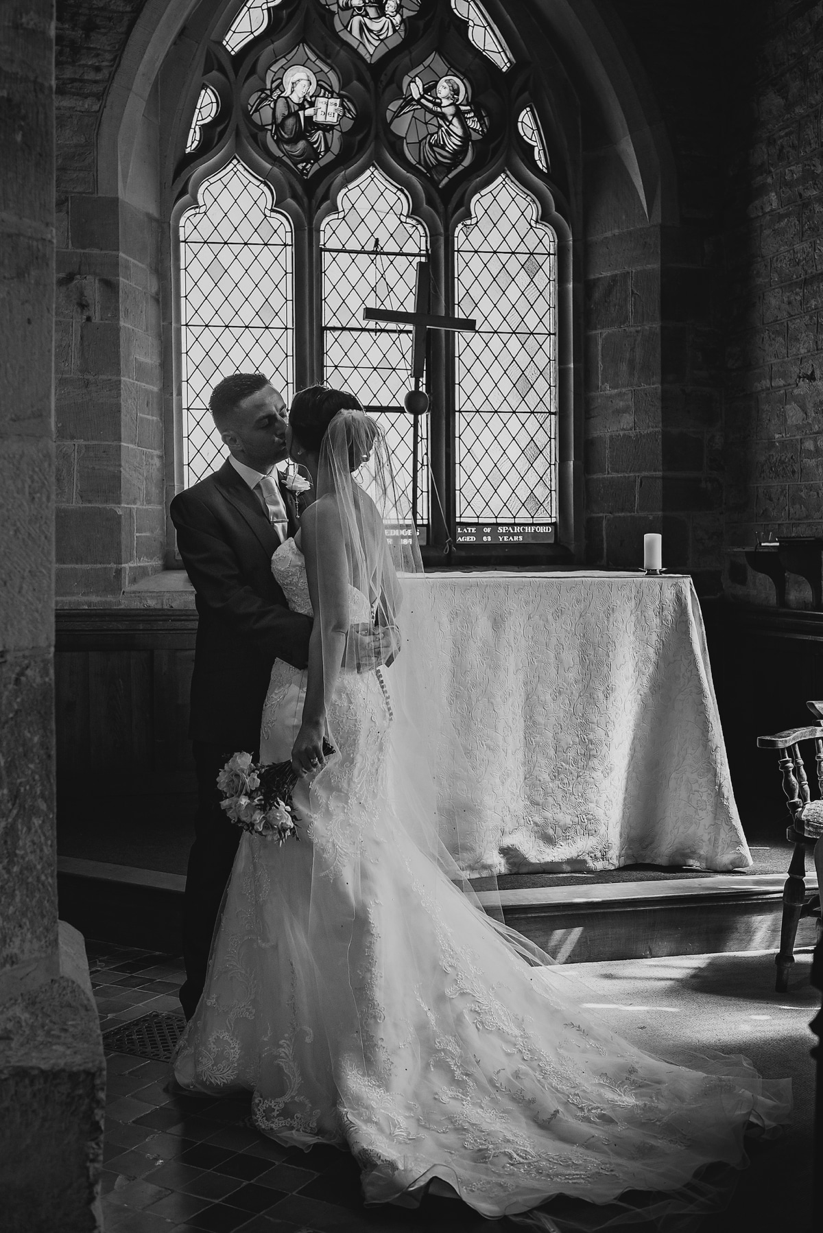spring-wedding-shropshire_0100
