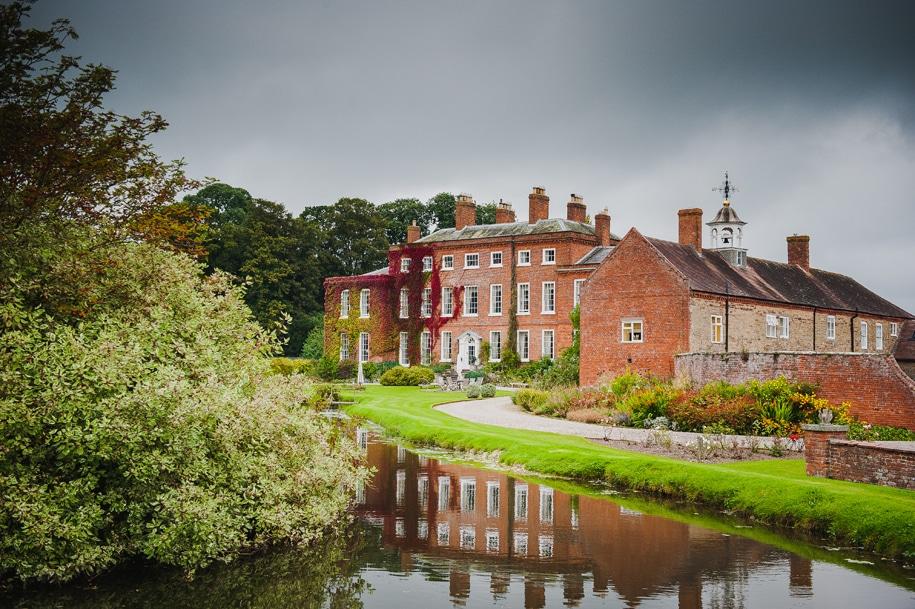Delbury-Hall-Shropshire-Wedding-Photographer002