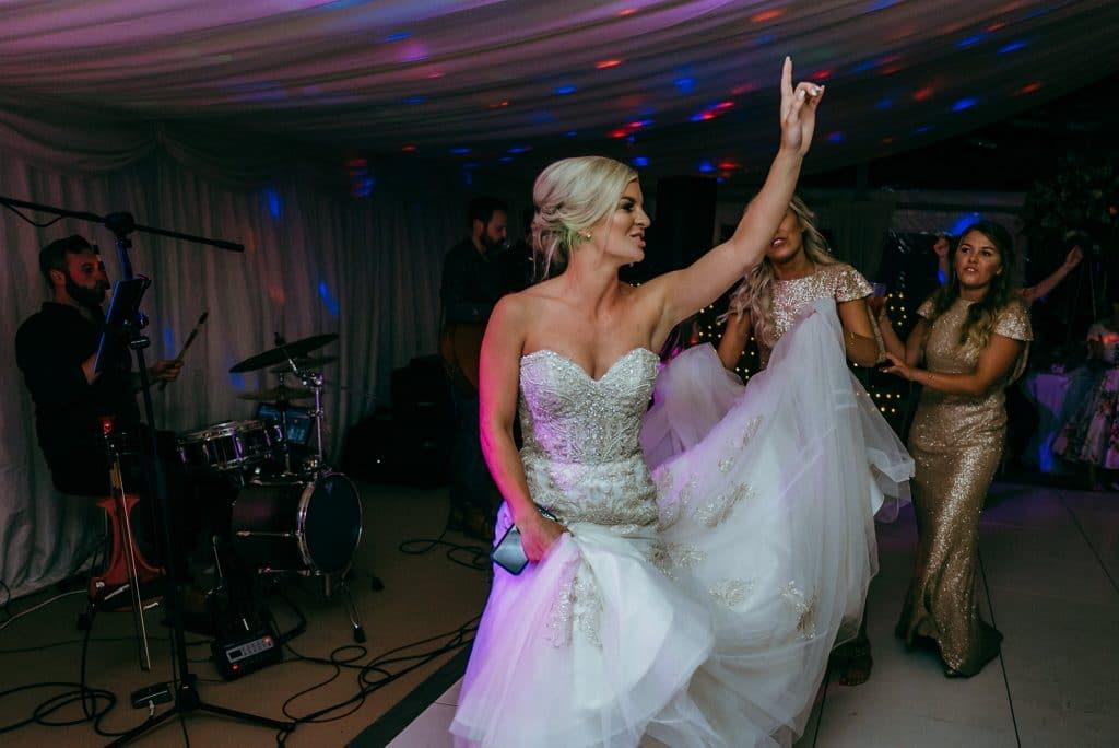 wedding dancing at wilde lodge